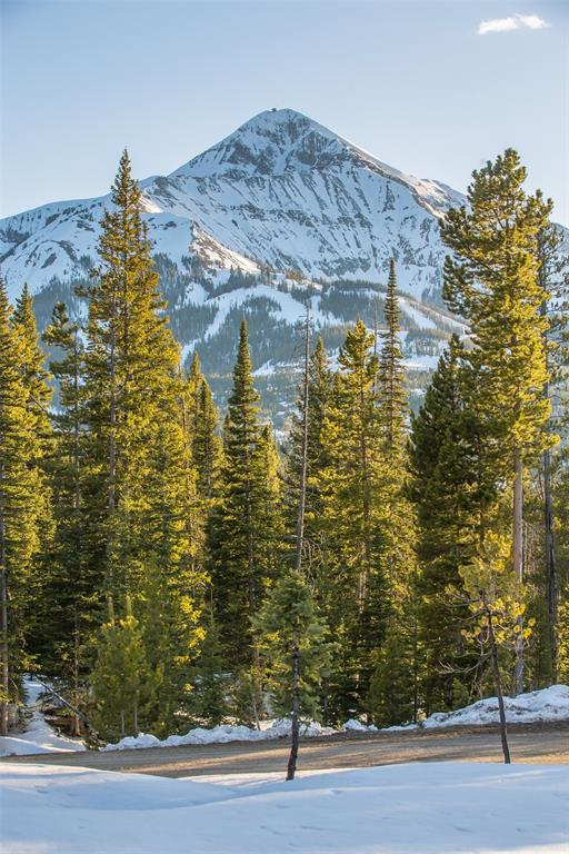 Enjoy complete tranquility from this 20 acre Ulery's Lakes lot. This lot offers the rare opportunity to be directly on one of Ulery's 3 lakes. Ulery's Lakes owners enjoy access to 3 mountain fishing lakes and their associated amenities including kayaking, paddle boarding, biking, ice skating in the winter and usage of the Jack Creek Road to the Madison Valley. Ulery's Lakes has to be experienced to truly appreciate the value of this amount of acreage is with such close proximity to Moonlight Basin, Big Sky Resort and the Madison Valley.