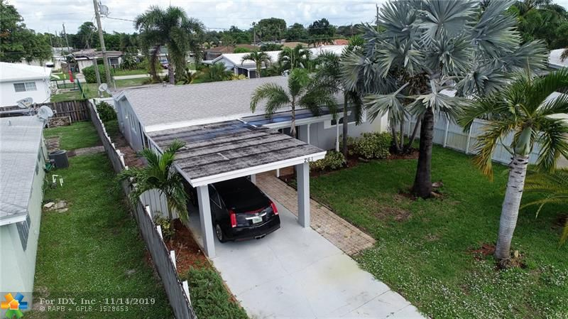 Beautiful home 3 bedroom 2 bath E OAKLAND PARK  new appliance fresh paint newer kitchen  GRANITE COUNTER