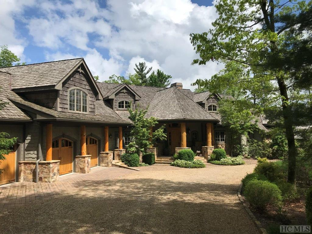 535 Ledgeview Road, Cashiers, NC 28717