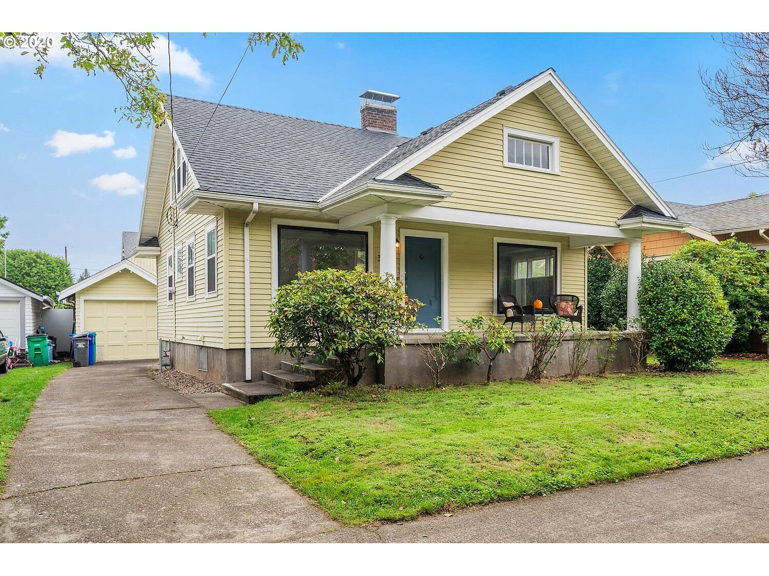 Click On Vtour For 3D Walkthrough. Charming Updated Crasftman w Spacious Front Yard & Covered Porch. 4 Bedrooms & 2 full baths! Newer roof & fresh interior paint. Hardwood flooring on main. High eff gas furnace & hw heater (2017). Open layout features living & dining decorated w picture windows adds tons of light. Wood-burning fireplace in living. Updated kitchen features gas range w convection oven & light-filled dining nook. Loft & 2 spare beds up. Fully fenced backyard & highly rated schools! [Home Energy Score = 6. HES Report at https://rpt.greenbuildingregistry.com/hes/OR10187439]