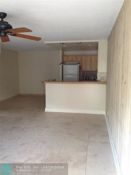 EXCELLENT INVESTMENT OPPORTUNITY.  WELL KEPT CONDO IN THE HEARTH OF CORAL SPRINGS. NICE AND QUIET AREA, WALKING DISTANCE FROM FOREST HILL PARK A CITY SPORT COMPLEX AND PLAYGROUND.