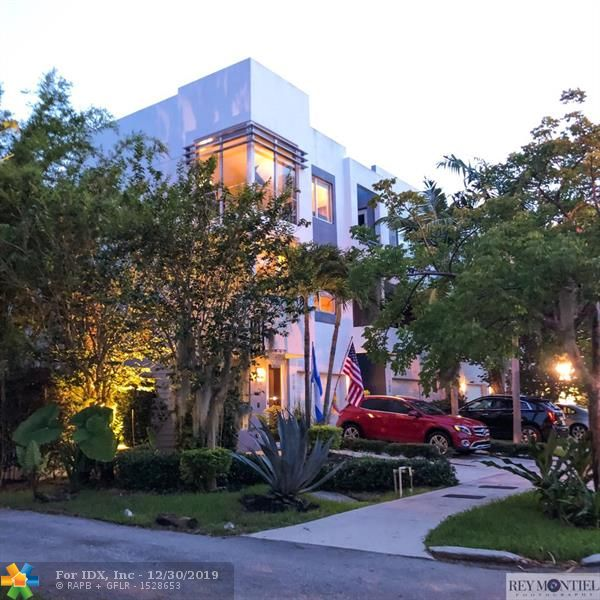 Built in 2014, this corner units boasts a modern exterior with a beautifully executed interior designed with both indoor and outdoor living in mind. It is located in the heart of Victoria Park with Las Olas, bars, restaurants and shops just steps away. Its features include: an open layout, modern kitchen, stainless appliances, washer and dryer, beautiful views and outdoor patio.