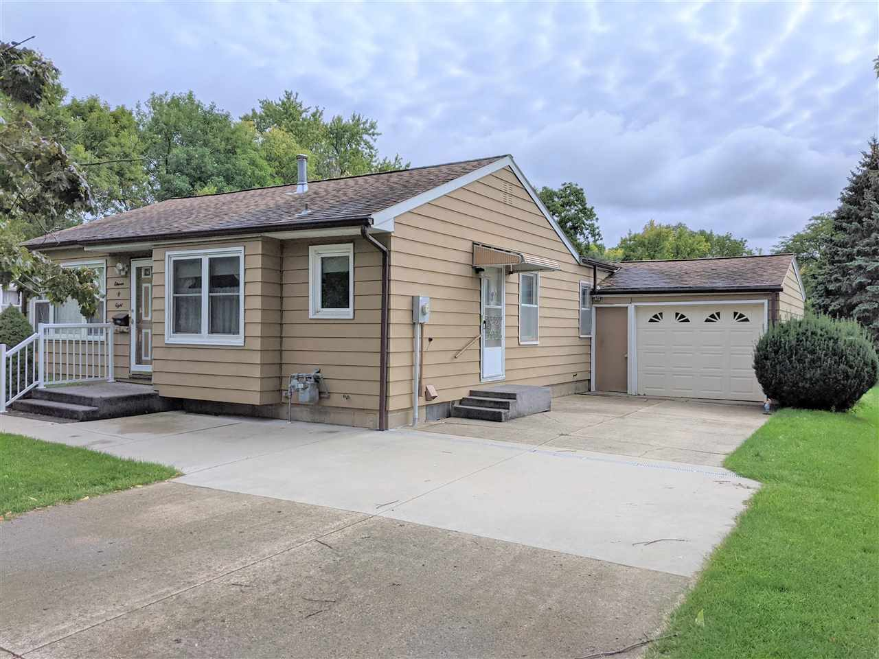 1108 5th Ave N, Estherville, IA 51334
