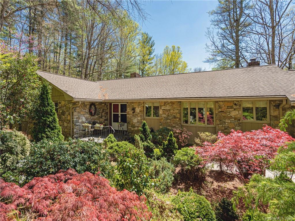 250 Tranquility Place, Hendersonville, NC 28739
