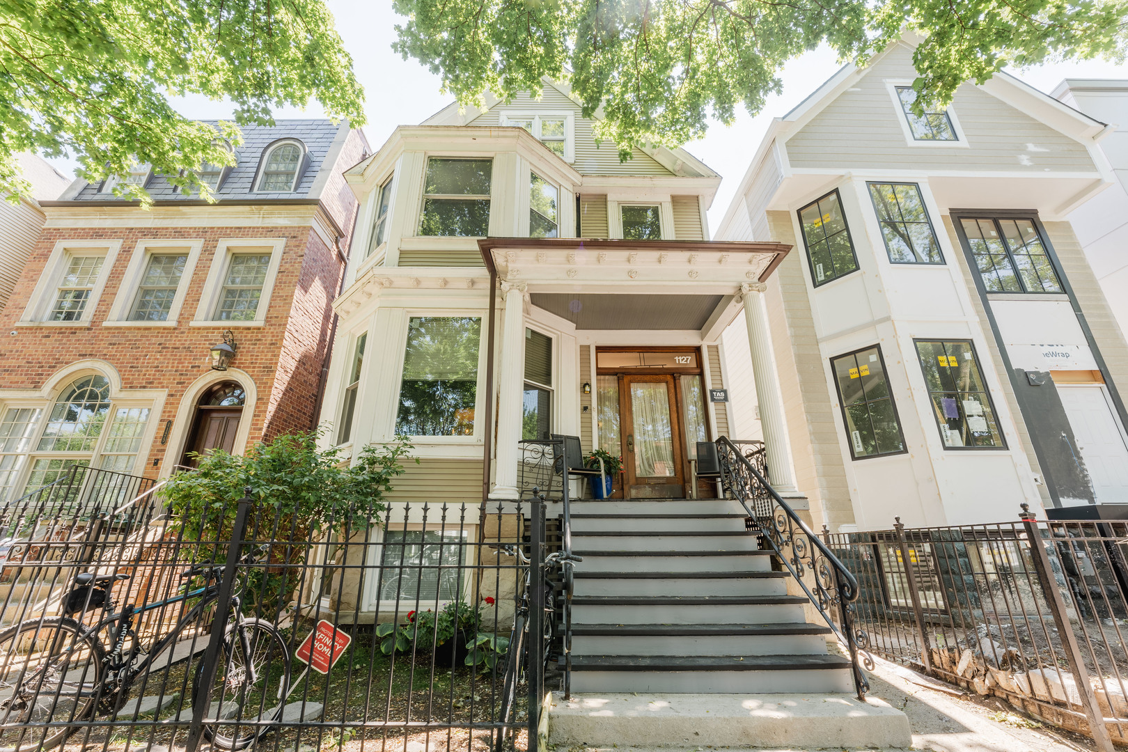 1127 W George Street, Chicago, IL 60657