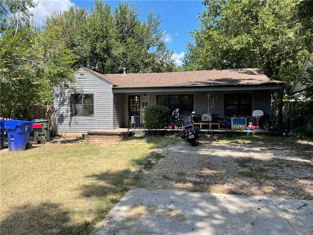Cozy house that is close to shopping and food! New roof and new siding. Still needs works inside. Has been a rental for several years. Great opportunity.