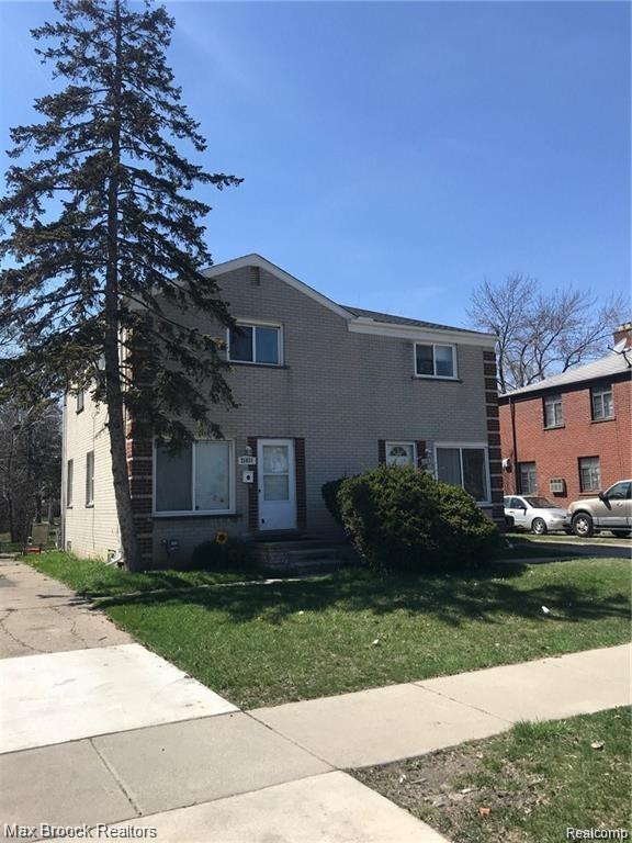 RARE OPPORTUNITY! Exclusive  double unit-4 bedroom, two full baths side by side duplex in the Heart of Oak PARK. Move in ready. Buyer can choose to occupy or maintain current tenant. Unfinished basements