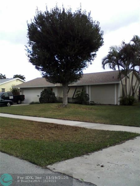 Nice 3/2 split bedroom with family room. Two car garage. Swimming pool, fenced yard, Bahama shutters, new AC, water heater and garage door. Hardwood and travertine floors. Custom paint and mouldings. Quiet neighborhood centrally located with multiple parks. Close to shopping. Hurry to see and move in before the holidays!