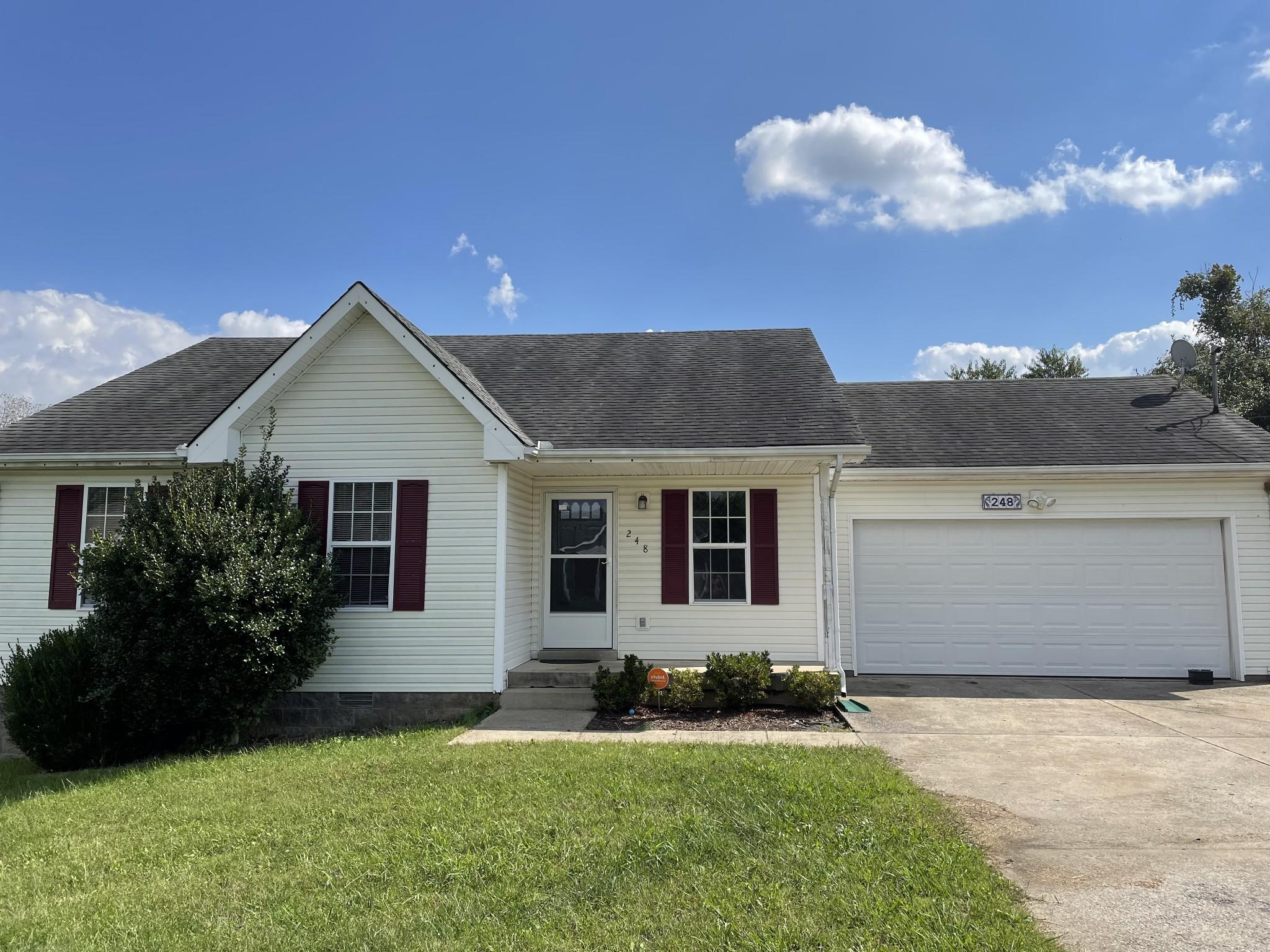 248 Golden Pond Ave, Oak Grove, KY 42262