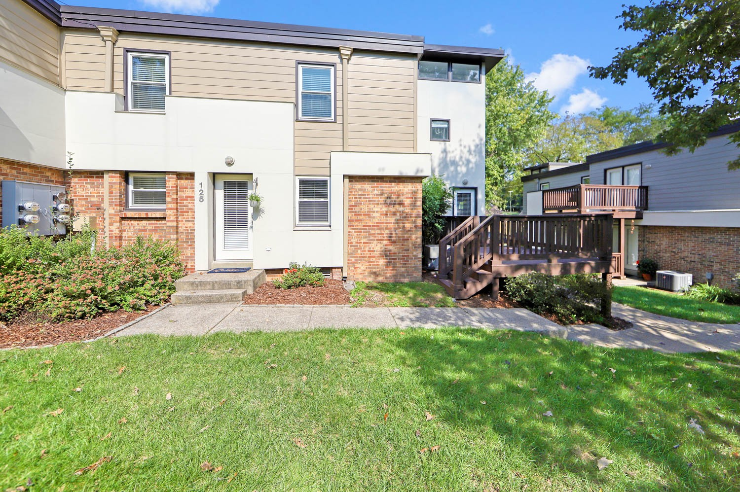 Prime Location!  This spacious townhome offers Contemporary Comfort and Convenience to 12 South, Lipscomb, Belmont, Vandy & Downtown!  Walk to Sevier Park, Shopping/Dining.  Desirable unit w/large deck overlooking greenspace. Main level Open Concept-Many Updates: hardwoods, Kitchen & Baths w/Granite, Stainless Appliances & Fixtures.  Large EnSuite w/Amazing Glam Bath Flooded w/High, Natural Light, Step-up Jacuzzi Tub & Separate Shower, Walk-In Closet w/Built-Ins. Refrigerator, Washer/Dryer Incl.