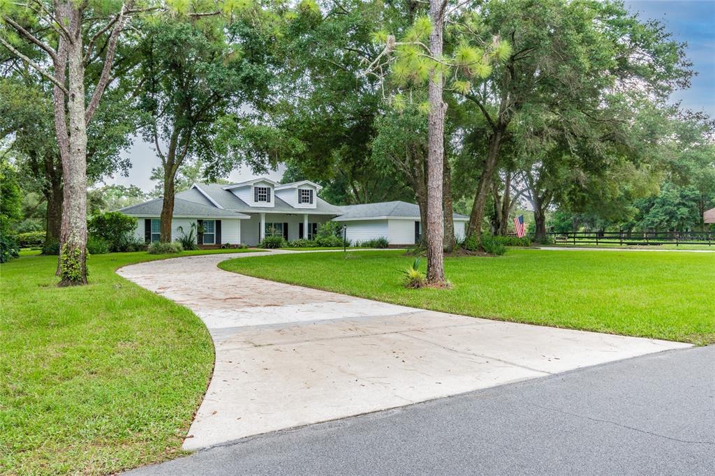 1717 Green Meadow Drive, Lutz, FL 33549