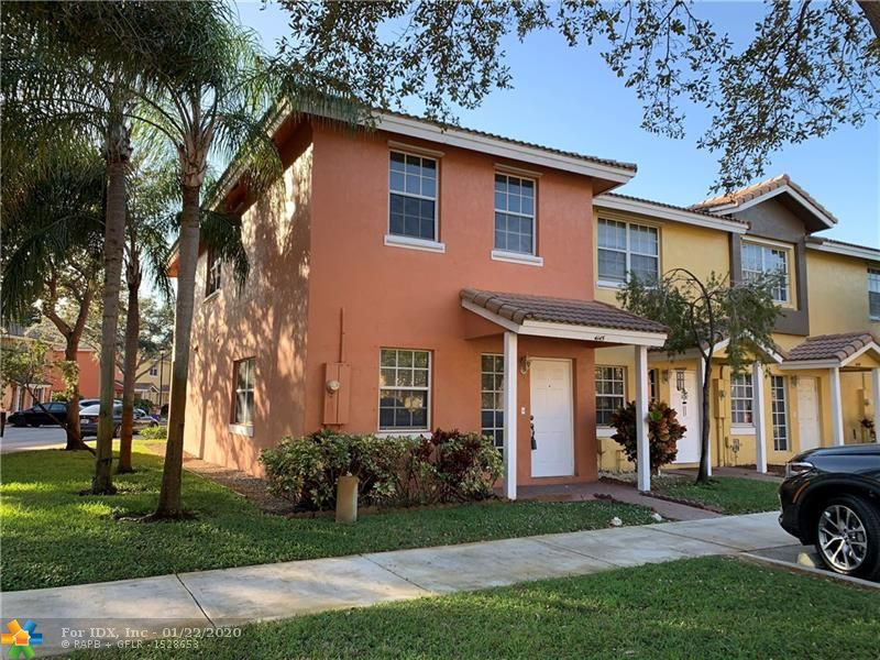 Beautifully renovated townhome in the heart of Inverrary. House features upgraded kitchen with wood cabinets and stainless steel appliances. Tiles and wood flooring throughout the unit. Low HOA dues.