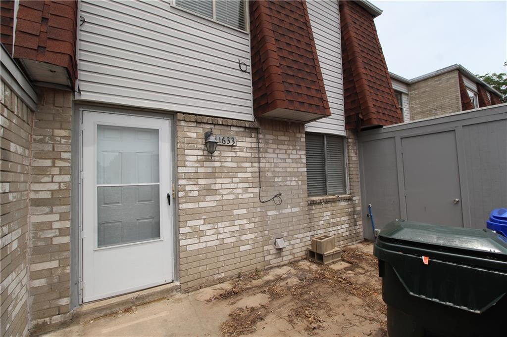 """Great property for students. Refrigerator, washer & dryer stay with the property. Amenities include the community swimming pool & community center. Granite, or similar material, counter tops in kitchen and bath. Just a couple of minutes from lots of shopping and dining businesses. Needs carpet. Seller is selling """"as is."""""""