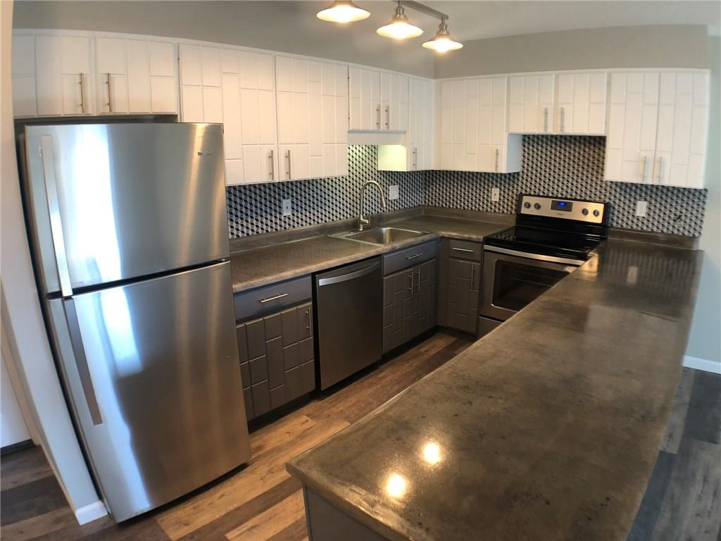 Freshly Remodeled 2 Bed 2 Bath Condo