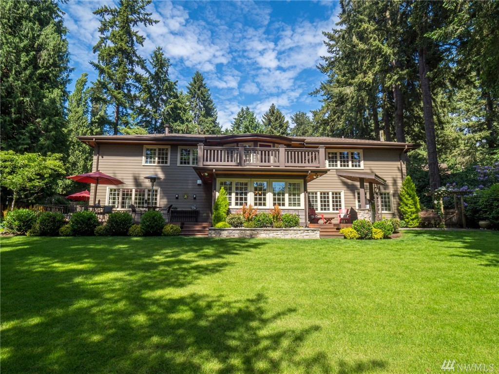 17569 47th Ave NE, Lake Forest Park, WA 98155