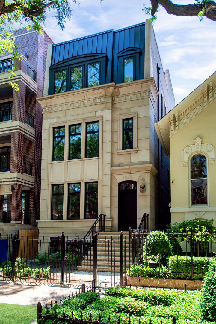 1928 N Cleveland Avenue, Chicago, IL 60614