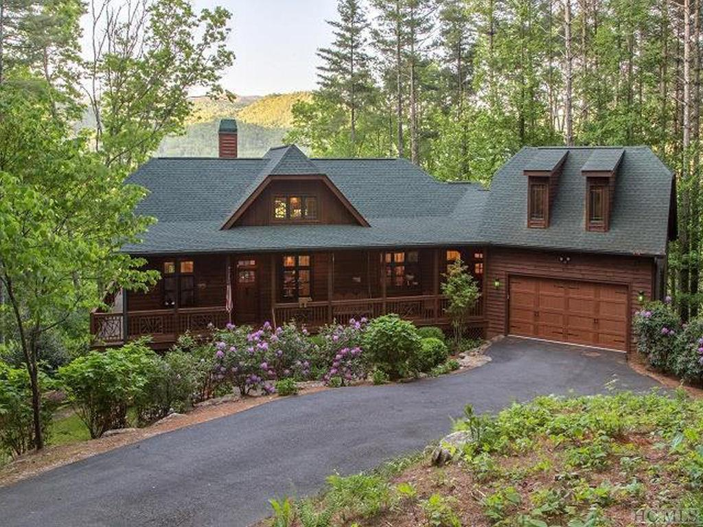 1665 Lake Forest Drive, Tuckasegee, NC 28783