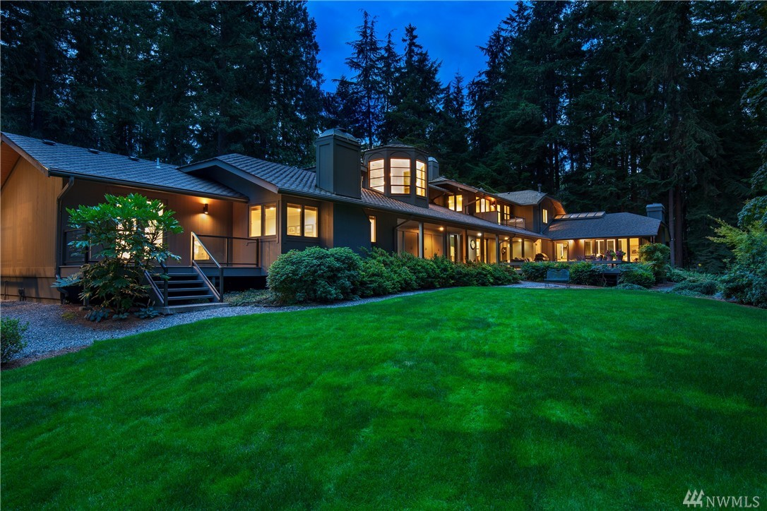 Simply one of the finest most comprehensive renovations (2016) in the area. Located on 1.57 acres in The Historic Seattle Highlands. Remarkable kitchen & family room, stunning master suite, media/game room, guest house, beautiful formals, fir paneled library, 5 fireplaces along with a new detached garage with space for multiple toys. The arboretum like gardens are splendid and the views can be enjoyed from nearly every room. The Highlands offers privacy, security and world class amenities.