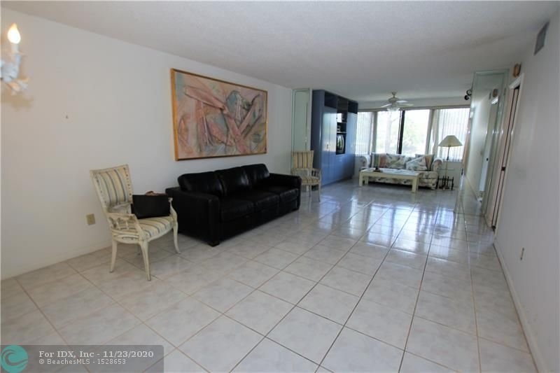 FANTASTIC 1ST FLOOR UNIT, PARKING DIRECTLY IN FRONT, 2/BEDROOMS & 2/BATHS, CERAMIC TILE IN MAIN AREA, CARPET IN BEDROOMS, BUILT-IN CABINETS IN GUEST BEDROOM, BUILT-IN CLOSETS IN FLORIDA ROOM, FANTASTIC VIEW OF THE WATER FRONT, CLUBHOUSE DEED PAID IN FULL, ENJOY ALL THAT KINGS POINT HAS TO OFFER, INCLUDING MANY CLUBS, COURTESY BUSES AND THE PALACE THEATRE. THIS IS A 55+ COMMUNITY