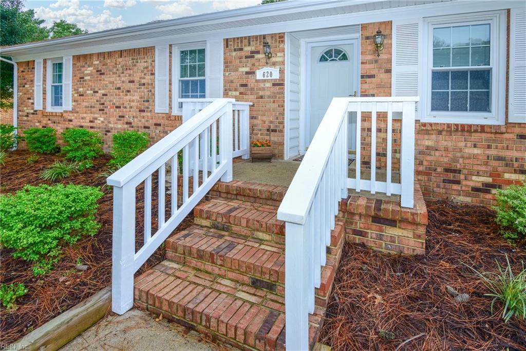 620 Luray Terrace, Chesapeake, VA 23322