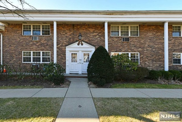 Updated, move in ready, 2 BR, 1.5 bath unit on 1st flr in desirable Ramsey, NJ! Open layout from Living Rm, Dining Rm & to the updated kitchen w/granite counters & Brek bar. 2 Large Bedrms, Kingsize Master has the Master Bathrm. Also includes hardwood flrs, 1 assigned parking spot, locked storage bin. Monthly Maintenance includes taxes, landscaping, snow removal & water. 24 hr Superintendent! Plenty of guest parking! All this and walking distance to the town of Ramsey w/its restaurants, quaint shops, movie theater & transportation to NYC by bus or train.