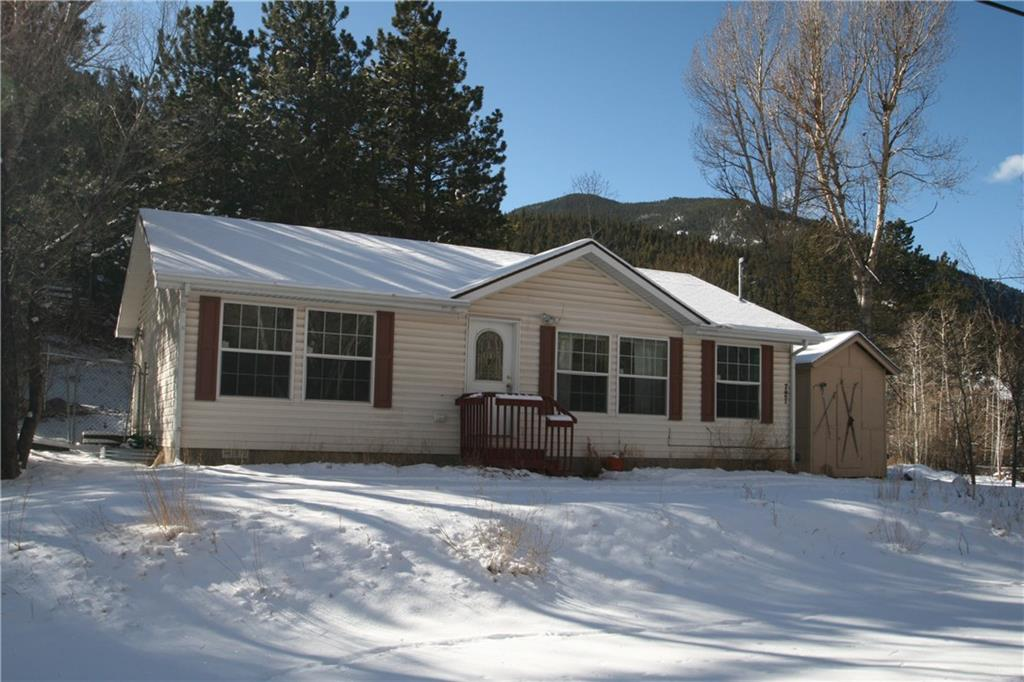 Cute single family home in Dumont