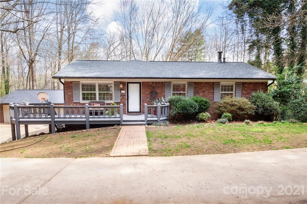 31 Springwood Drive, Asheville, NC 28805