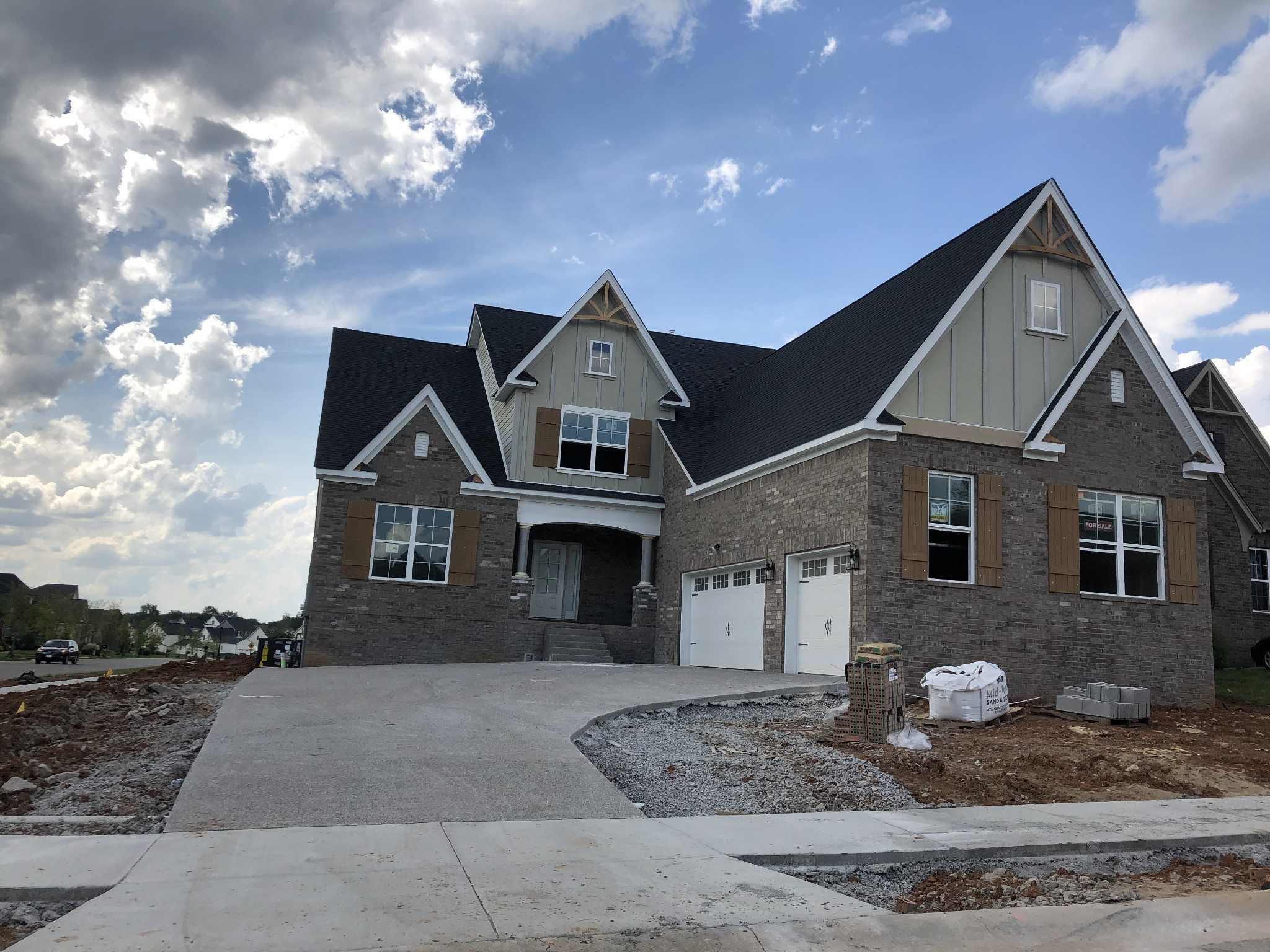 The Beckett plan!  4 bedrooms, 3.5 bathrooms, huge Master suite downstairs, 2 story Foyer, separate Office, wonderful Great Room with lots of light, open to large Kitchen & Dining area, fantastic Bonus Room upstairs.  All bedrooms have walk-in closets.  CORNER LOT!