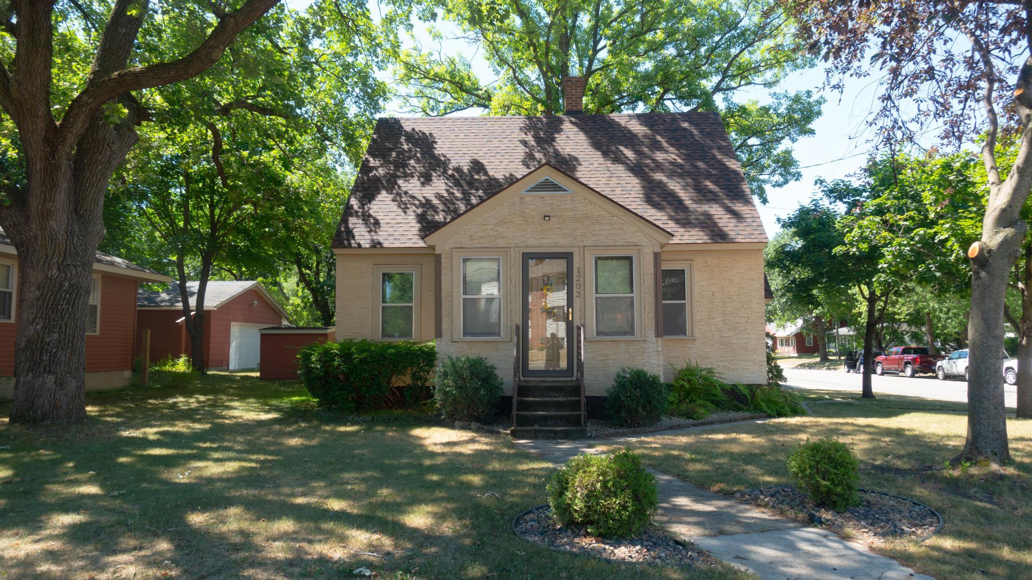This Home is a must see, it has 3 Bedrooms, 2 Bathrooms, & a 2 Stall Garage! New Roof, was done in 2017! The Garage is Heated, Insulated, has a Garage Door Opener, Cabinets for storage, & has a 40 amp Circuit Breaker Box. Main Floor Master Bedroom has its own attached Bathroom! Beautiful yard with impressive oak trees and rock beds. This home is listed at $145,000!