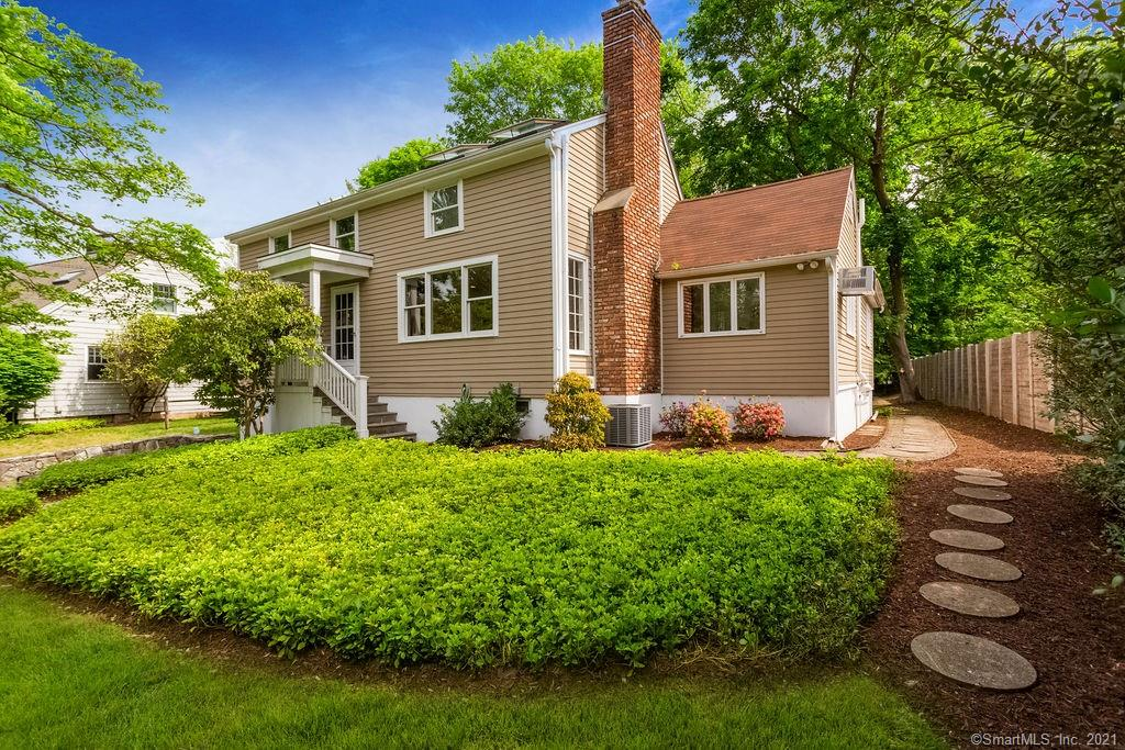 Wonderful move-in ready Cape located in sought after Greens Farms neighborhood! # 4 Robin Hill Road is one of just 7 houses on a small and leafy cul de sac and is a short hop to all sorts of terrific amenities including Metro North Greens Farms station for city commute, restaurants such as Shake Shack, grocery stores and high end delis. And drive just a few minutes down Westway Road to find yourself in the idyllic historic village of Southport - home to delightful coffee shops, clothing and gift boutiques and wonderful sandy beaches. An absolute jewel in Connecticut's coast line. The house itself is bright and sunny and offers a super flexible living plan. The main floor has a great open concept space with updated kitchen/granite counters/stainless steel appliances, dining area and spacious family room, and there is also a formal living room with wood burning fireplace. Also on the main level is a large bedroom which could act as a master bedroom with full bath and walk in closet and room for great office space too. Upstairs there are two more generously sized bedrooms and another full bathroom. And in the lower level there is a THIRD full bath and rec/playroom/office space or even a spot for guests. Great storage space too. The good sized, level yard is very private, flanked by mature trees and flowering shrubs and is a super space to entertain with its lovely oversized patio. Central Air just installed - this house is ready for Summer! Showings start 9am Friday May 28th.