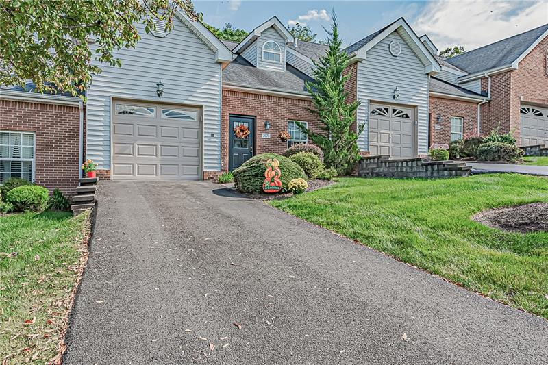 7070 Clubview Dr, South Fayette, PA 15017