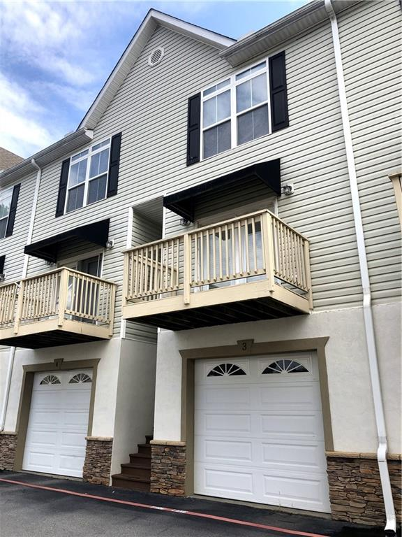 Clemson Courtyard unit available!! Property is currently leased through July 2020 for $1450/month.