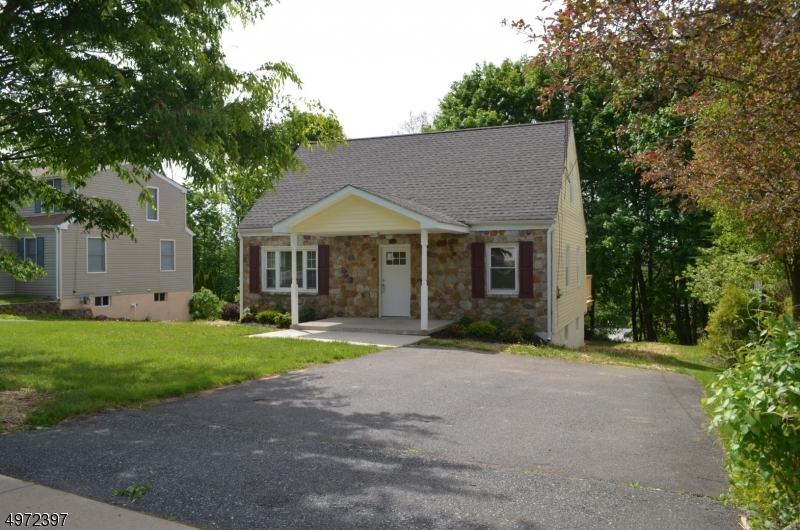 Beautifully RENOVATED 4 bedroom Cape Cod with one and a half bath in Mountain View Estates. Features brand new roof, cabinets, granite counter tops and stainless steel appliances. Perfect for entertaining year around with back deck and small yard. Nice & quiet neighborhood. This home is a must see!!