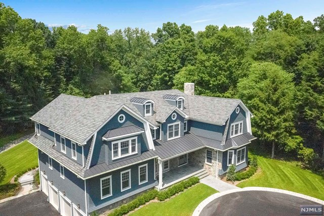 8 Kenwood Road, Saddle River, NJ 07458