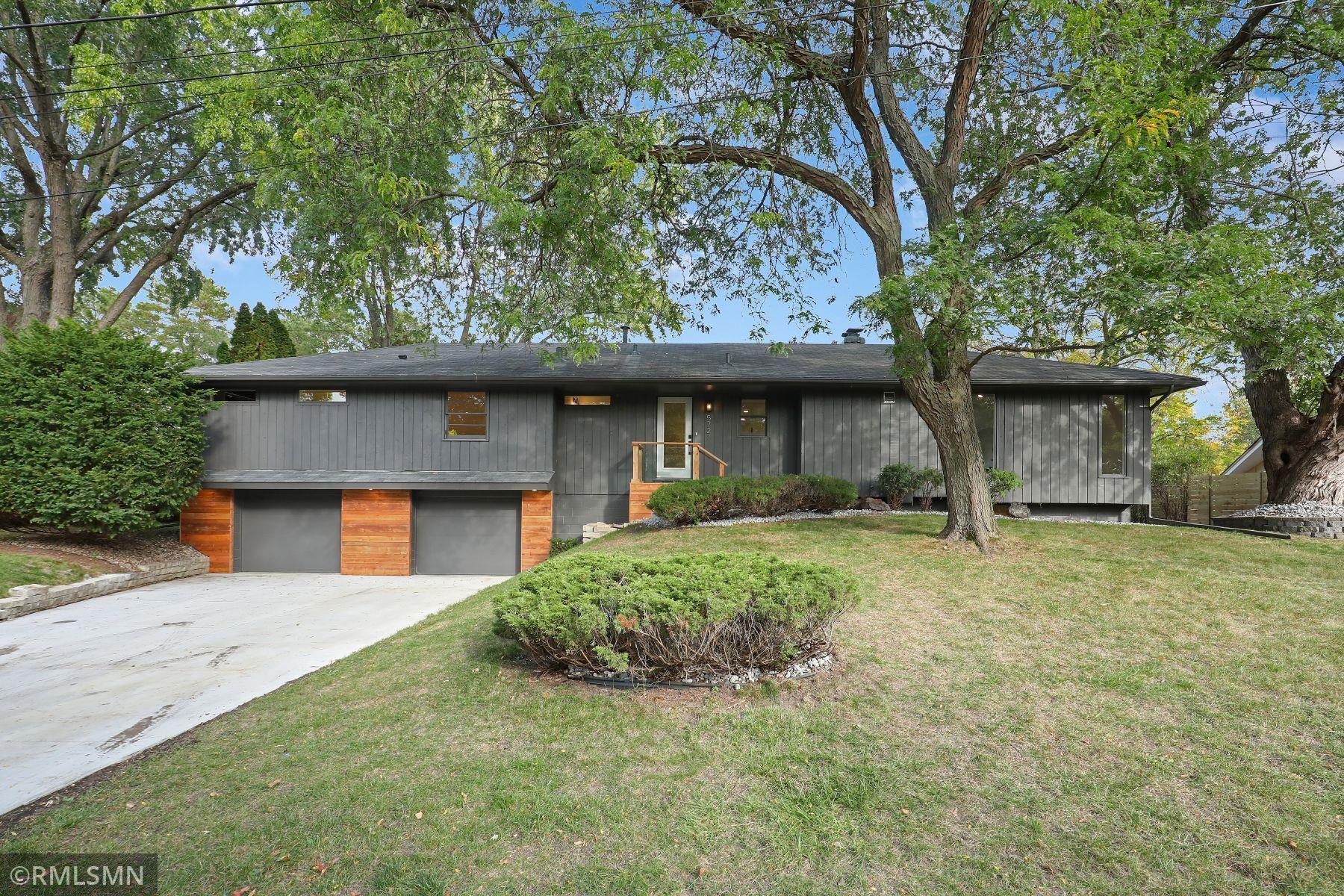 5727 Oakview Lane, Minnetonka, MN 55345
