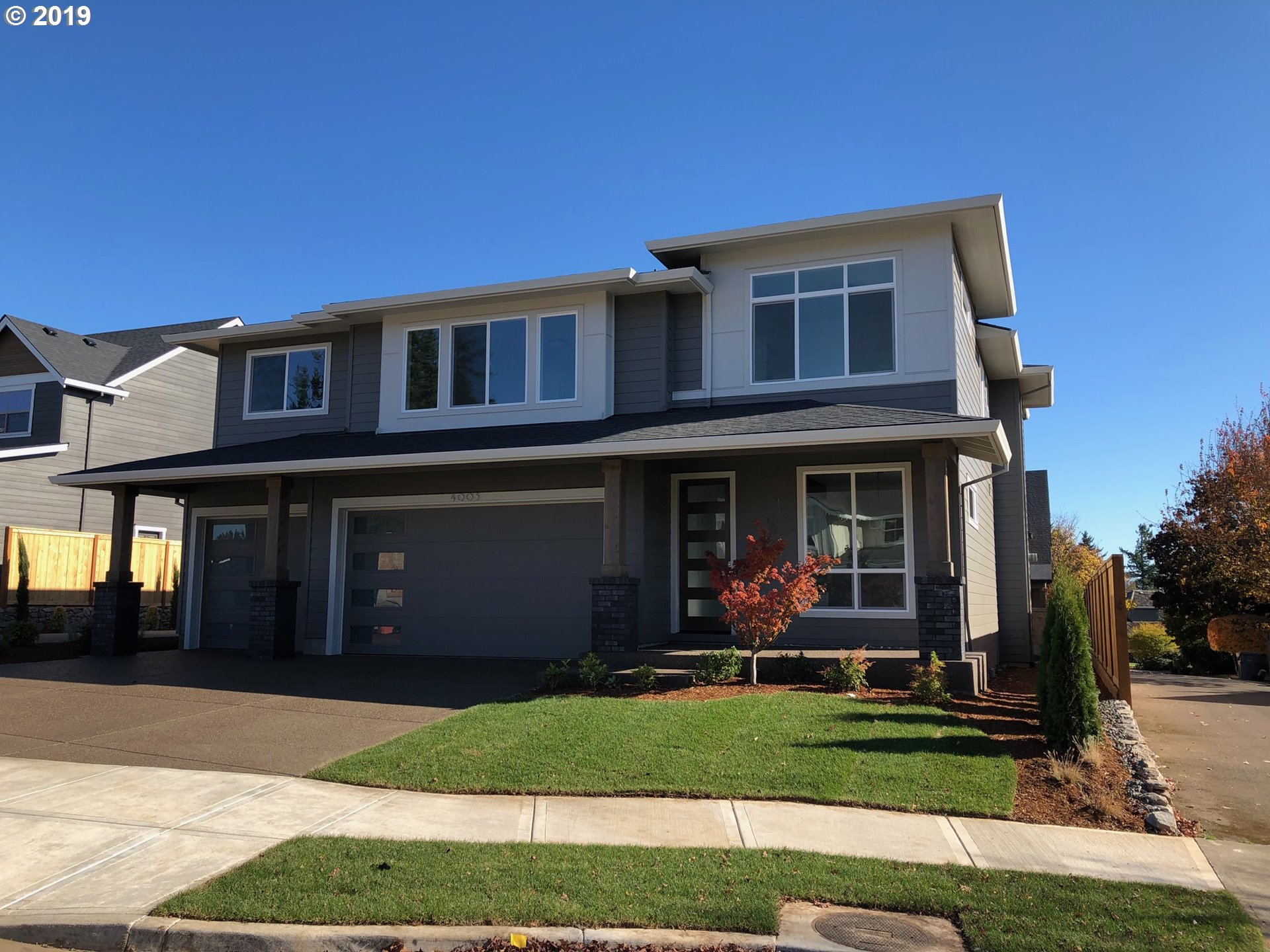 Great room plan, covered patios, spacious master retreat, 3 additional large bedrooms and a large bonus room too! Spacious flex space off of the foyer, 4 car garage, Island kitchen with extra large walk in pantry.