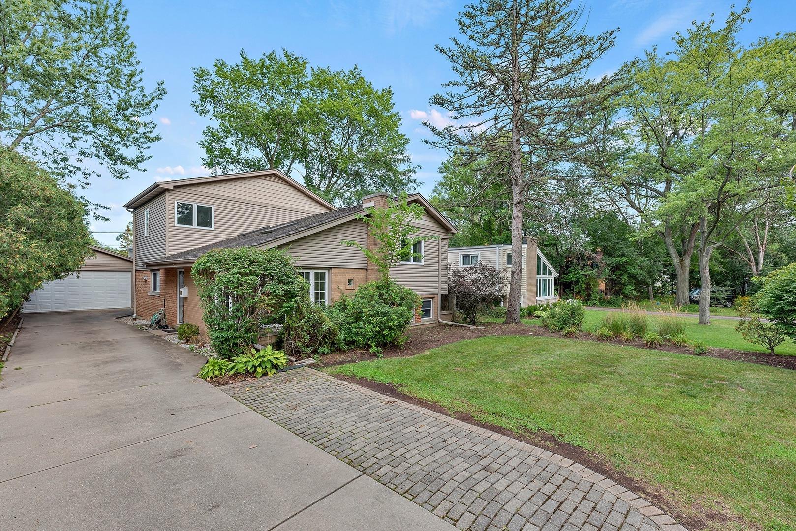 1449 Cavell Avenue, Highland Park, IL 60035
