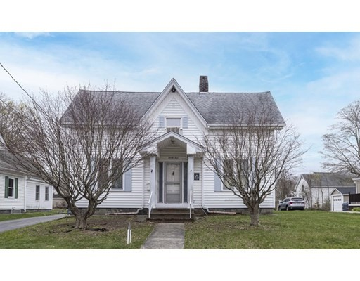 24 Maple St, Taunton, MA 02780