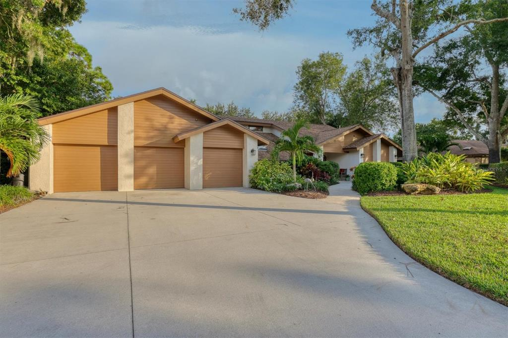 7500 Weeping Willow Boulevard, Sarasota, FL 34241