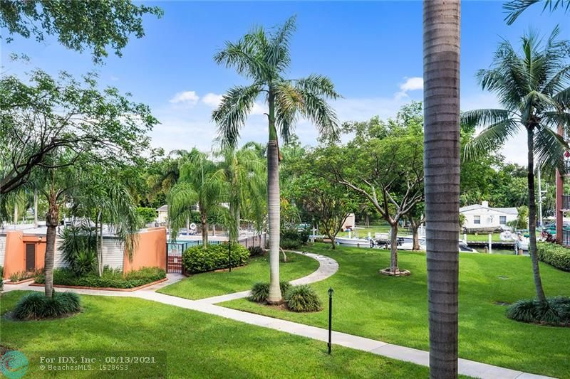 Priced to sell!!! Don't miss out on the lowest priced 2 bedroom unit in the community. 2 Bed/2 Bath, 1250 sq feet,  large balcony with a beautiful view of the pool area and water. Tons of storage in this unit! Assigned covered parking in the garage and extra storage units. Great opportunity to own in the highly sought after River Reach, a peaceful island on the river with 24 hour security. Bring your boat, dockage as available up to 50' at $6 per ft/month, no fixed bridge to ocean! Heated swimming pools, tennis, gym, kayak & bike storage. Great central location that is close to Las Olas, downtown, beach, airport, hospital & highways! 2 pets - 20 Lbs. permitted.