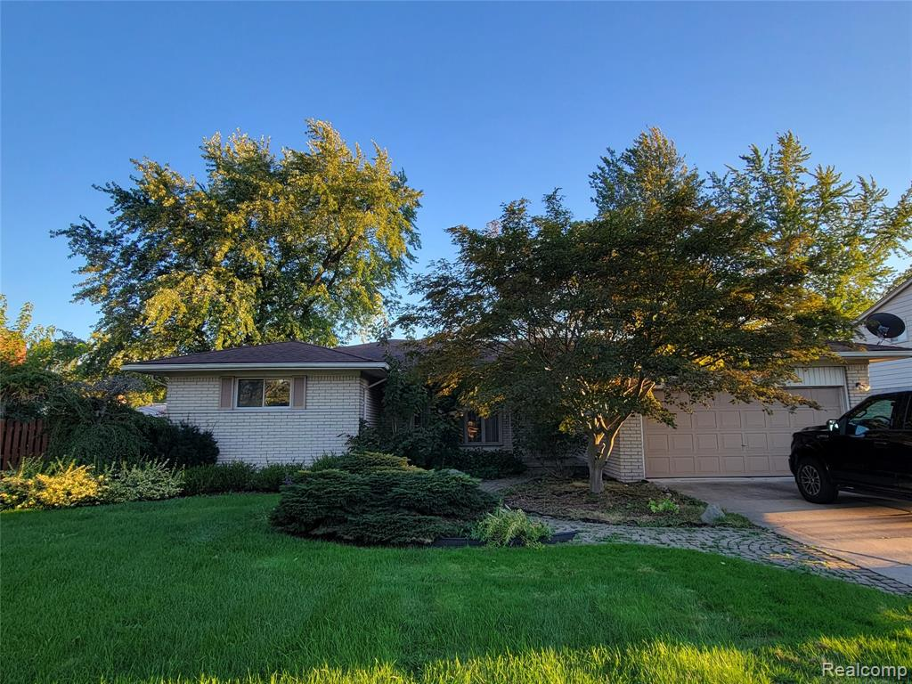 Make this home your own - nothing but potential!  Huge investment opportunity in this home, don't hesitate!  This ranch is close to shopping, dining, expressways and is walking distance to Steven High School.  Very sought after area of Livonia. BATVAI  Immediate occupancy.
