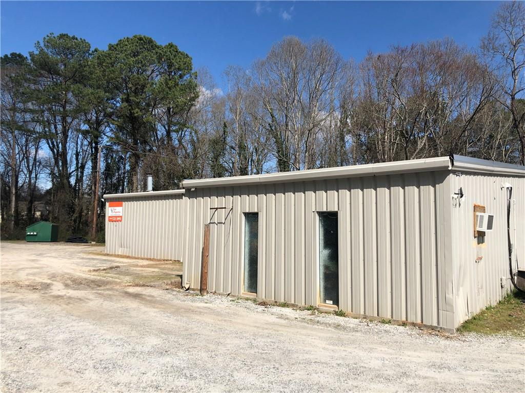 Rare find... warehouse with office space just off of Hwy 93. Renovated office area with 2 restrooms, private office, storage room, and open open work space/foyer/meeting room.