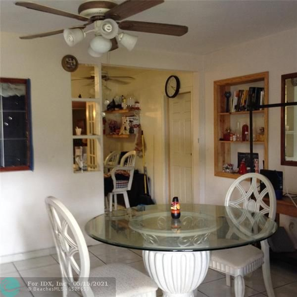 Large 2 bed room 2 bath with pool large lot GPS