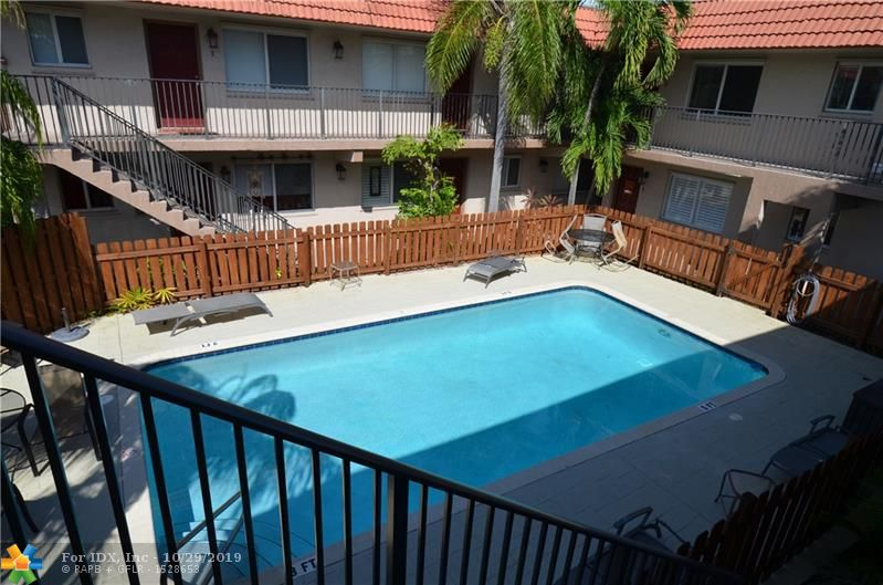 HIDDEN GEM IN WILTON MANORS!! TWO BEDROOM /ONE BATH 2ND FLOOR UNIT WITH GORGEOUS POOL VIEW.