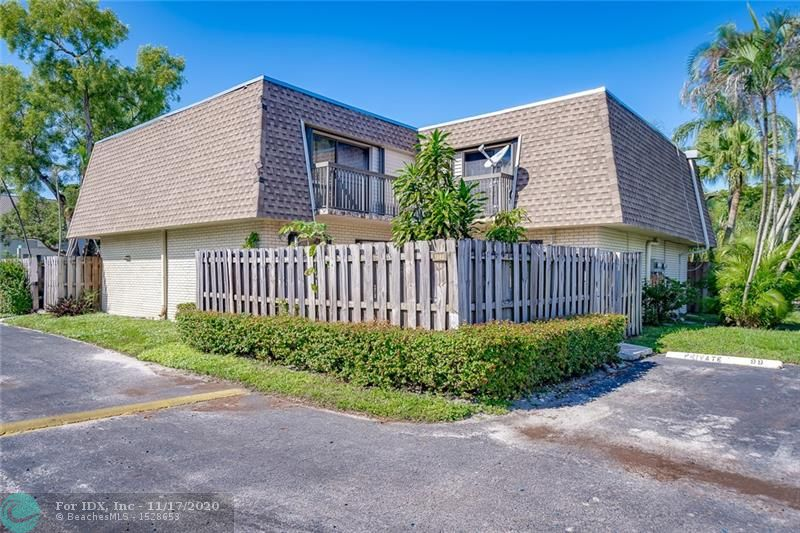 2 bedroom, 2.5 bathroom townhome in the heart of Broward easy access to highways. Large master suites on the second level each with their balcony. Unit has a privacy fence and is close to the pool. Investor friendly, property is currently rented and tenant willing to stay.