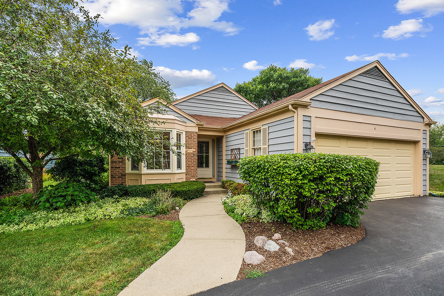 4 The Court Of Tyronwood Court, Northbrook, IL 60062