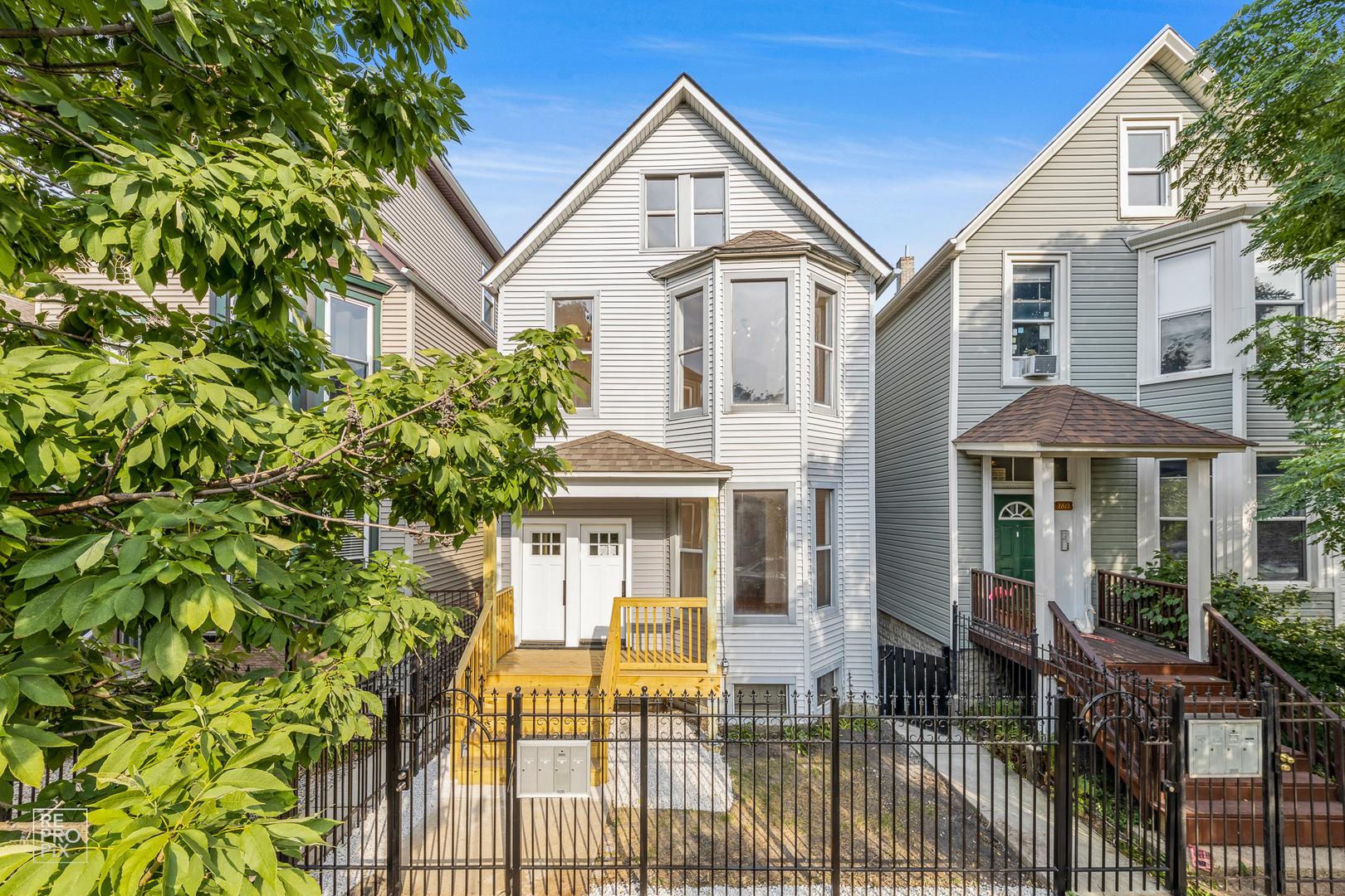 1813 N Kedzie Avenue W, Chicago, IL 60647