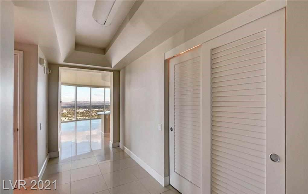 BEAUTIFUL HIGH 34TH FLOOR END UNIT RESIDENCE WITH SWEEPING VIEWS OF THE CITY.... AWESOME LAYOUT FEATURING TWO BEDROOMS PLUS DEN/OFFICE, OPEN KITCHEN, FLOOR TO CEILING WINDOWS IN LR, MULTIPLE TERRACES FOR FRESH AIR! RESORT LIKE DEVT WITH STUNNING POOL, FITNESS CENTER, VALET, GUARD GATED ENTRANCE, STORAGE!! PHOTO ARE MODEL MATCH.