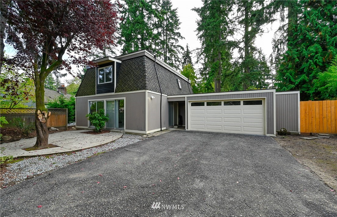 Rare find in sought after Wildwood Glen neighborhood.  Super close to Grasslawn Park, Microsoft main campus, the PRO Club and soon light rail. Efficient circular floor plan is move-in Ready with fresh paint and carpets throughout. Large master walk-in closet with dressing vanity. Pleasant front courtyard, and huge fenced back yard for play, pets, and barbecue parties.  Large two car garage with extra storage and backyard shed as well as award winning schools.
