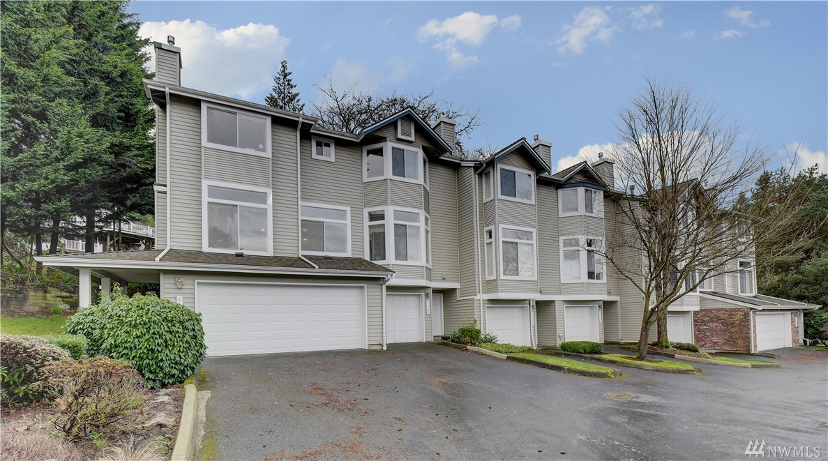 2131 NW Pacific Yew Place 2131